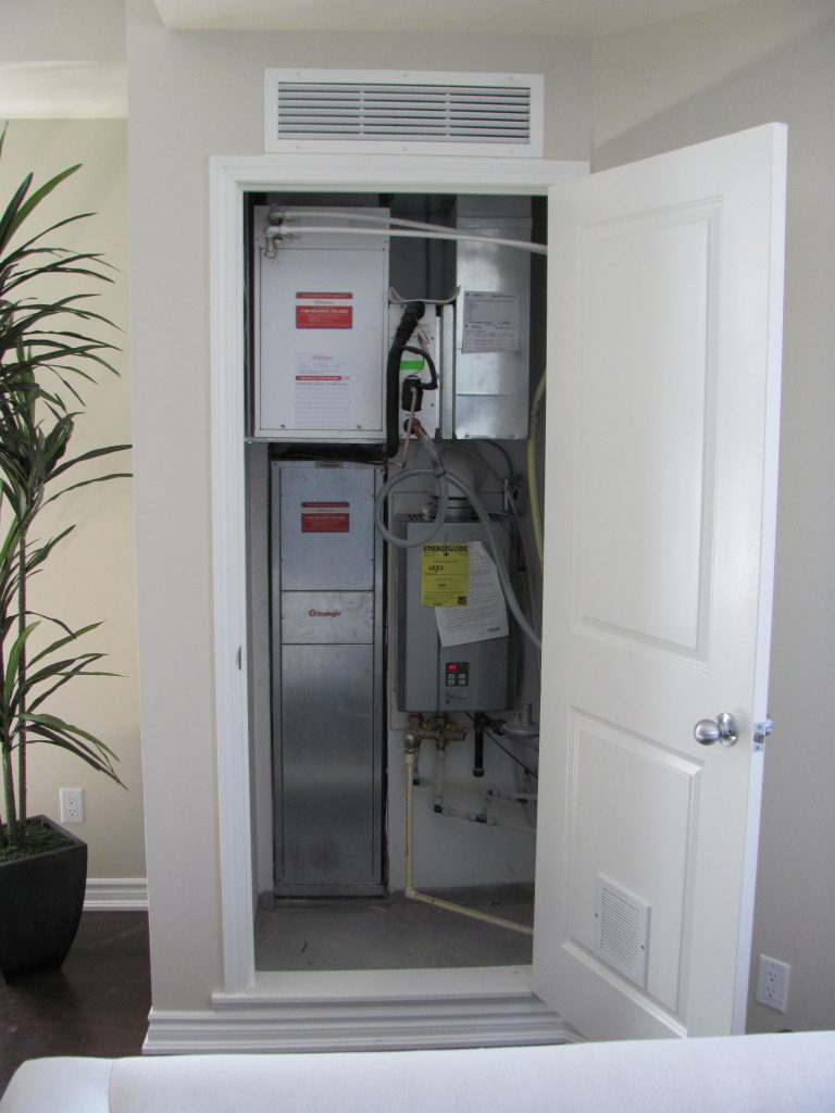 Space saving was a factor in this Ecologix installation too. The entire mechanical room – heating, AC and DHW – is located in a closet.