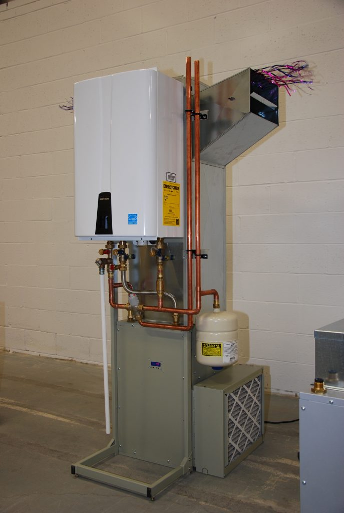 This high efficiency iFLOW combo system features a modulating pump and blower motor.